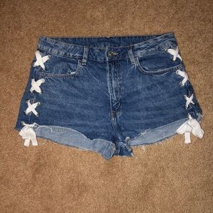 H & M tie up shorts